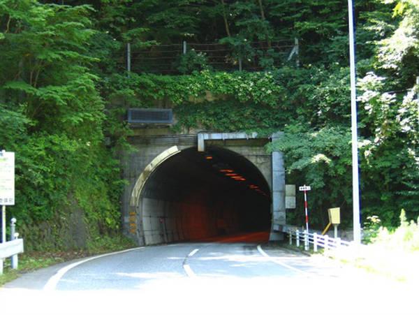 岩手県 旧仙人トンネル 心霊スポット 恐怖体験談