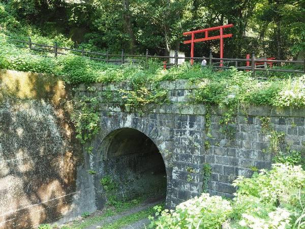 神奈川県 心霊スポット 線守稲荷神社